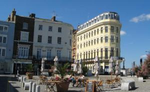 Alfresco Cafes in Margate Old Town
