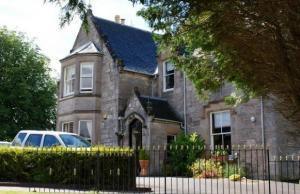 Period guest house in Inverness with parking