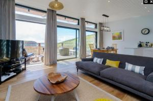 Posh Paw Pads - dog friendly designer homes in Newquay!