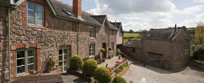 Search availability for last minute Devon Cottages with discount deals