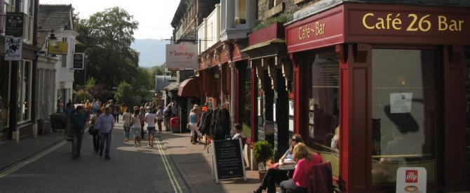 Keswick cafes - alfresco in warm weather on the Lake Road