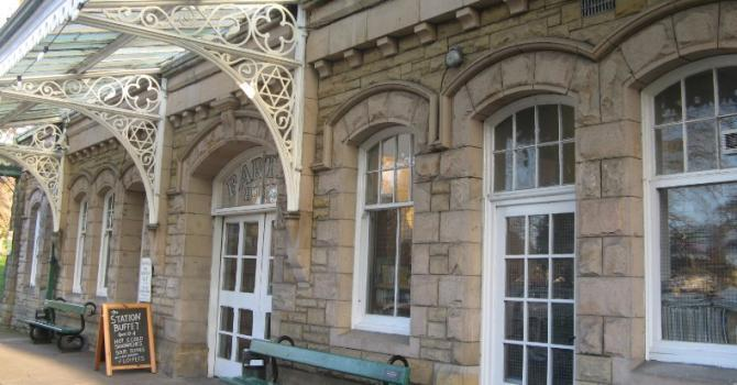 Barter Books, Alnwick housed within an old Victorian railway station