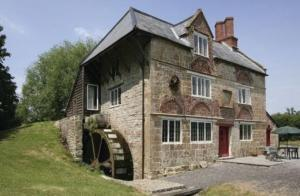 Well behaved pets welcome & period charm - Mill Cottage conversions Somerset