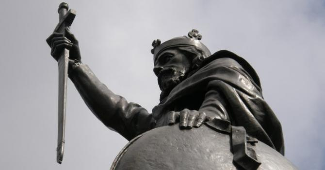 King Alfred's bronze statue in Winchester