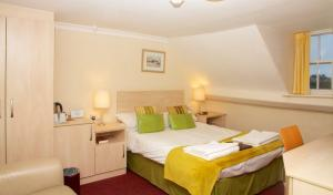 Central Weymouth B&Bs near harbour ferry services to the Channel Islands