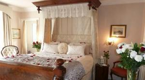 Historic B&Bs on the Isle of Portland with romantic rooms