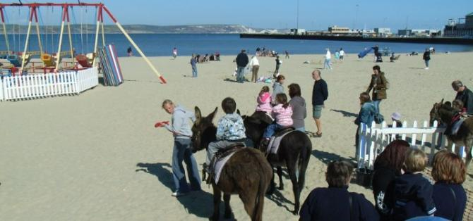 Family fun on award-winning Weymouth Beach