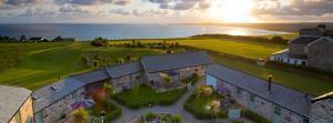 Cornish cottage complexes in spectacular locations