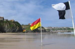 Flag indicators on Newquay beaches
