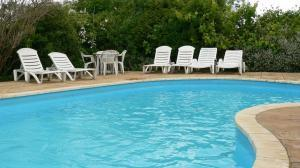 Apartments with private swimming pools in Torquay