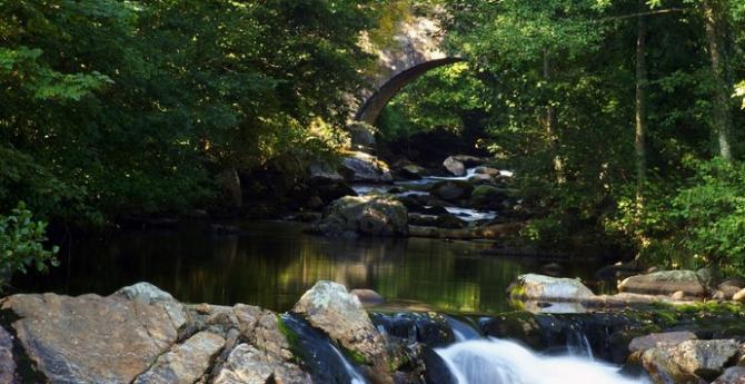 The medieval packhorse bridge across the River Erme at Ivybridge