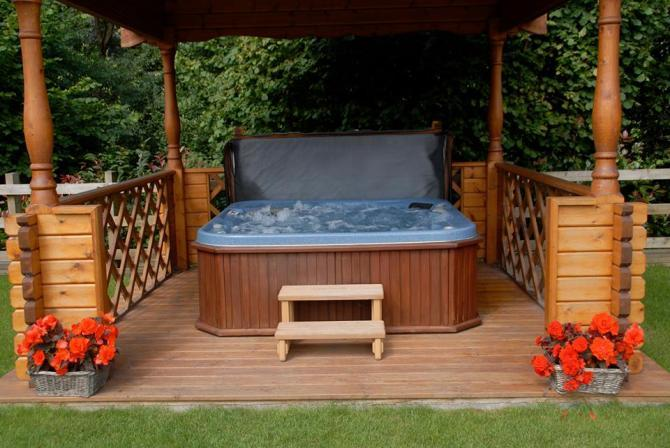 Purbeck Holiday Lets with Hot Tub near Bath