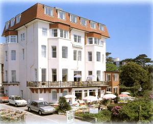 Bournemouth Hotels - Hotel Riviera