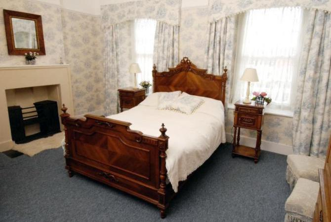 Bed & Breakfast rooms with real character in Bristol