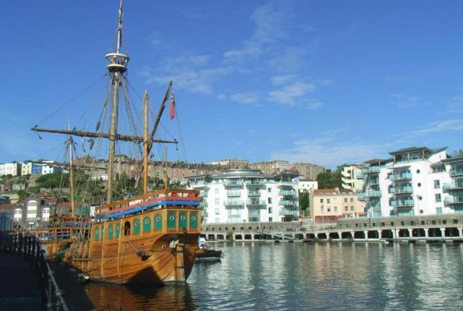 The Matthew - Cabot's replica ship at Princes Wharf