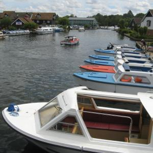 Boat hire at Wroxham in the Norfolk Broads