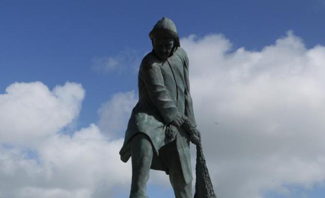 Milford Haven seafarers statue