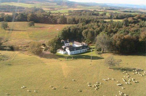 Big Cottages - RealFarmHolidays at Kirkwood - Red Squirrel Cottage