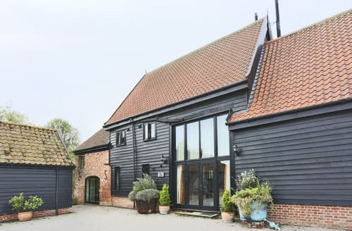 Last Minute Cottages - Wattisham Hall Barns