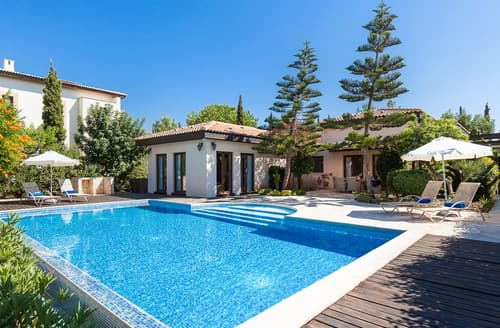 Last Minute Cottages - Villa Loukoumi