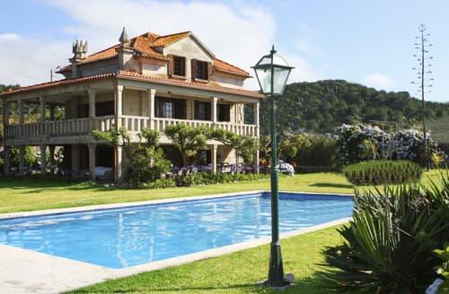 Last Minute Cottages - Villa Bajo Mino