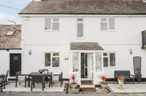 Last Minute Cottages - Hen Siop Y Rhos