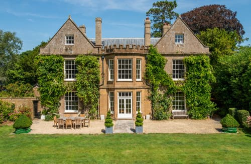 Last Minute Cottages - The Old Rectory, Seekings House