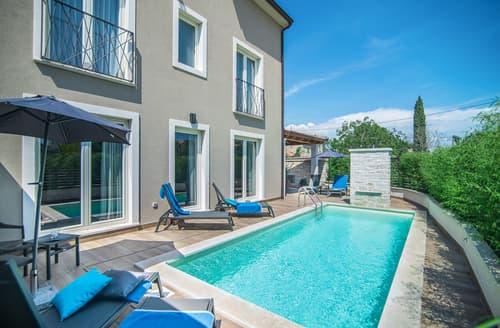 Last Minute Cottages - Villa Brina