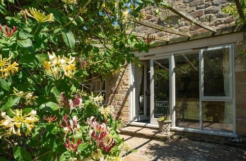 Last Minute Cottages - The Coach House - 15624