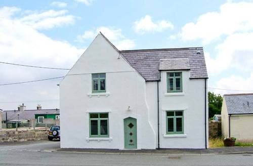 Last Minute Cottages - Wonderful Aberffraw Cottage S9030