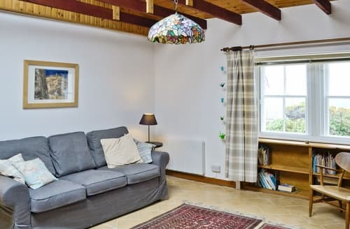 Last Minute Cottages - Seaview Cottage  - 27991