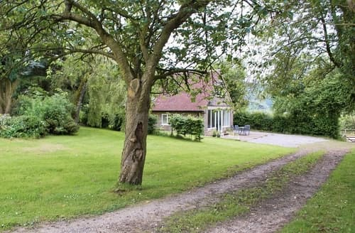 Last Minute Cottages - Winhill Cottage
