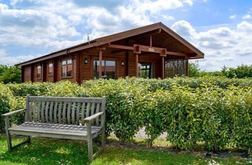Last Minute Cottages - Bulrush Lodge