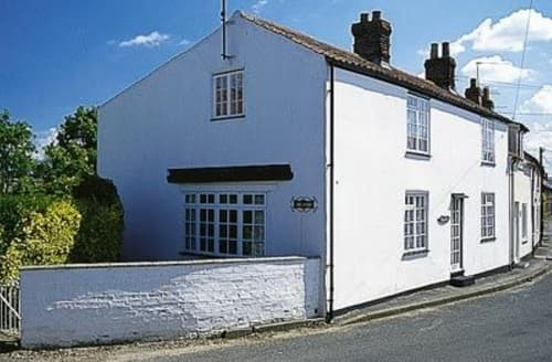 Last Minute Cottages - Bay House