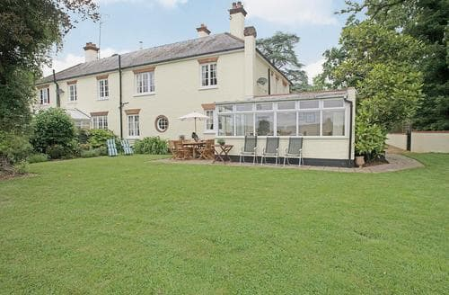 Last Minute Cottages - Ashwood Manor