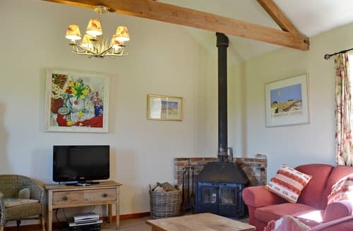 Last Minute Cottages - The Cart Shed - E1768
