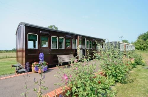 Last Minute Cottages - Railway Carriage One - E5337