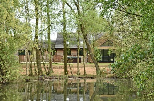 Last Minute Cottages - Waters Edge