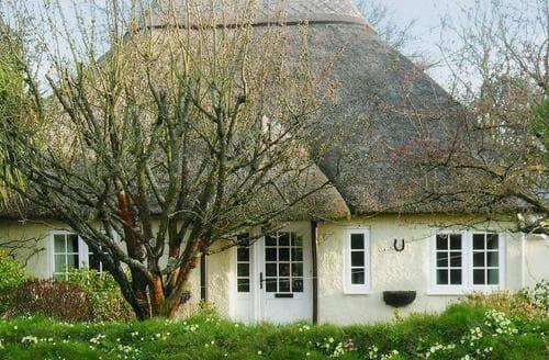 Last Minute Cottages - Monks Thatch