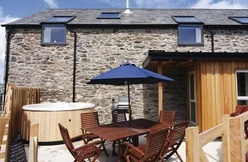 Last Minute Cottages - Smithy Barn - HW7592