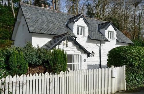 Last Minute Cottages - Caerdeon Lodge