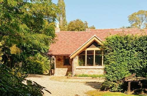 Last Minute Cottages - The Saddlery