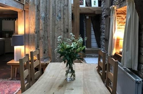 Last Minute Cottages - The Petit Manor