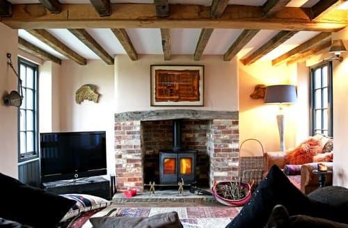 Last Minute Cottages - Danehill House