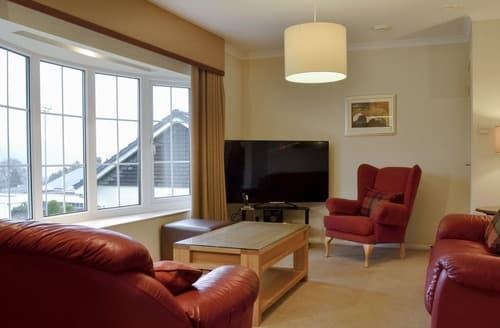 Last Minute Cottages - Woodland View Bungalow 1 - UK10492