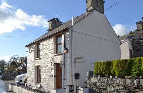 Last Minute Cottages - Arddwyn