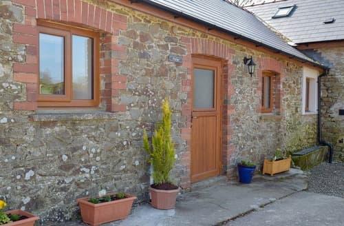 Last Minute Cottages - Parlwr - UK11210