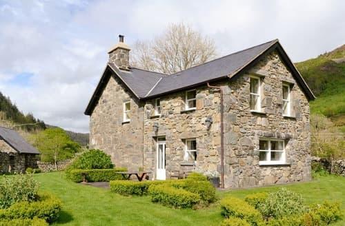 Last Minute Cottages - Dol Y Clochydd