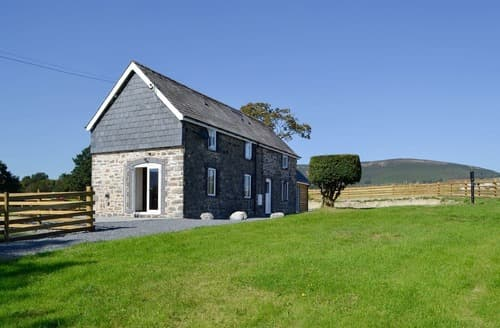 Last Minute Cottages - Ty Llwyd Bach