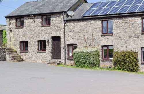 Last Minute Cottages - Woodland View-UK11826